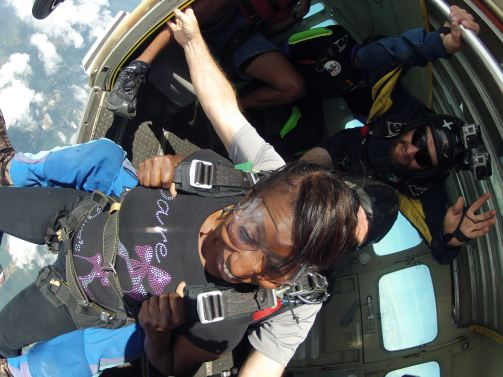 Sheri Hunter skydiving