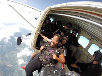 Brenda Jegede pre skydive plane